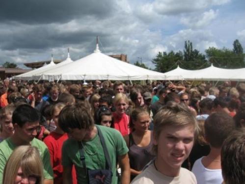 taize crowd:Pentecost